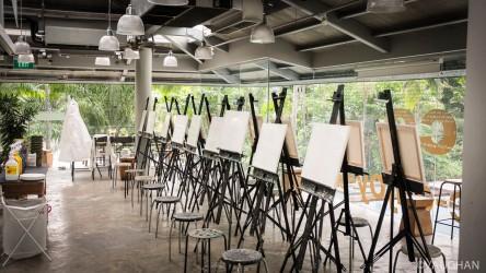 Downtown Singapore art center awaits the next class.