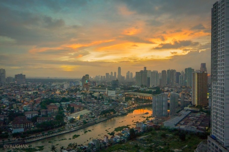 Manila Sunset over the golden arches.