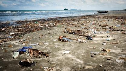 Litter and sand, Bay Bay Beach, Roxas City.